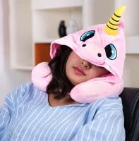 Подушка с капюшоном